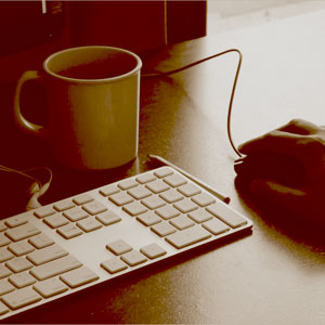 Excel mit Maus und Tastatur.